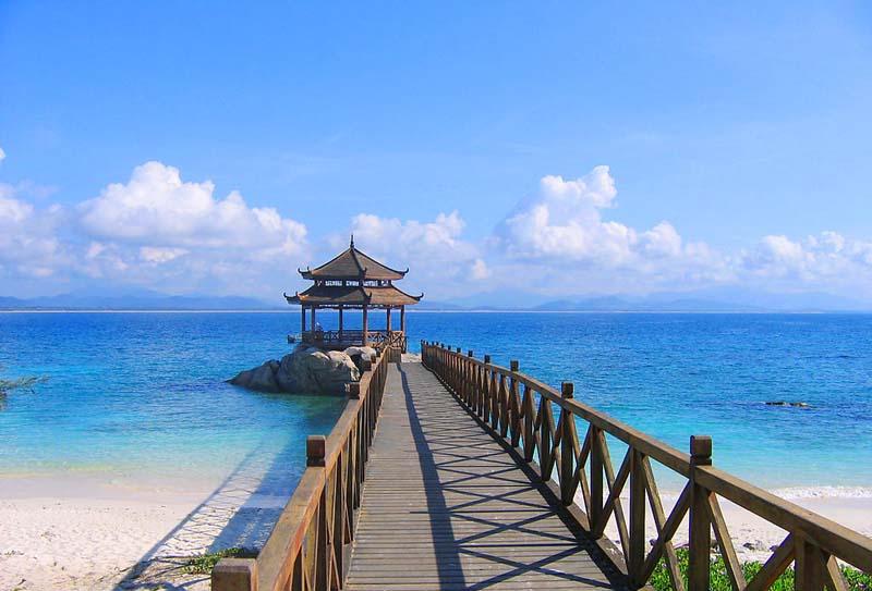 蜈支洲岛有寄存行李的地方吗?