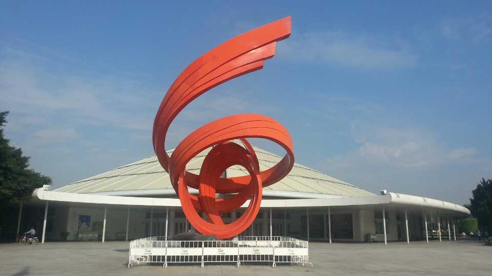 广州体育馆有寄存行李的地方吗?