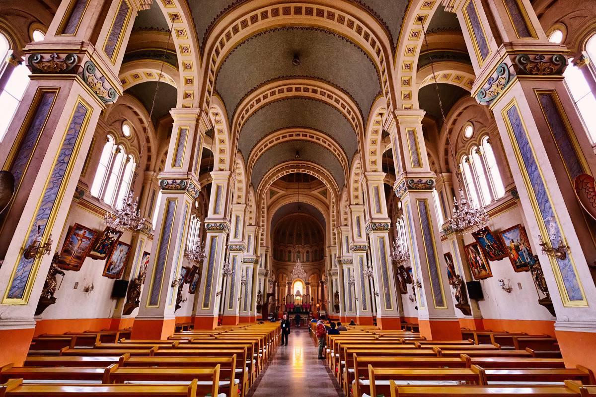 西开教堂有寄存行李的地方吗?