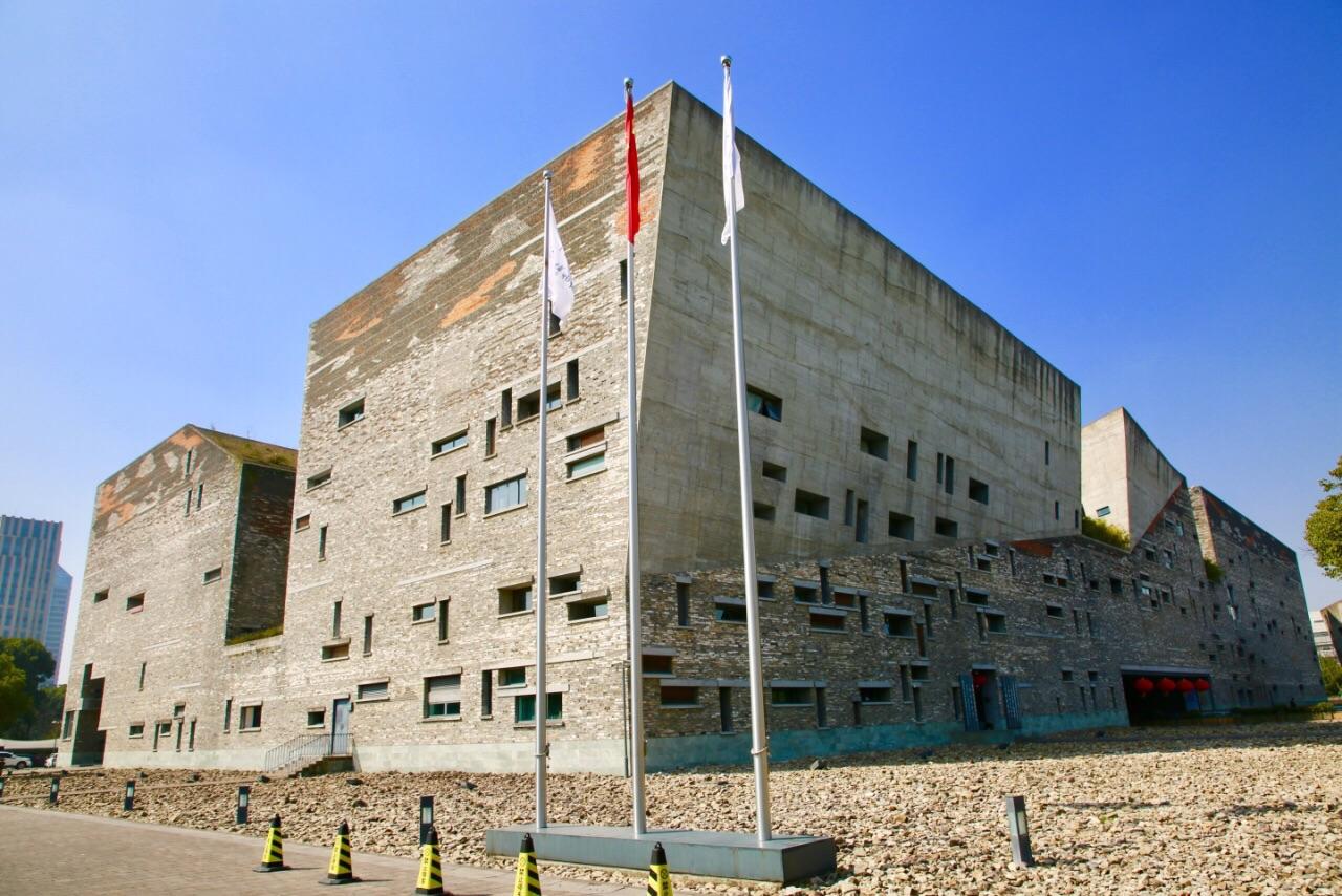 宁波博物馆有寄存行李的地方吗?