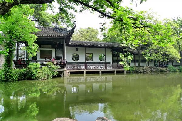 锡惠公园有寄存行李的地方吗?